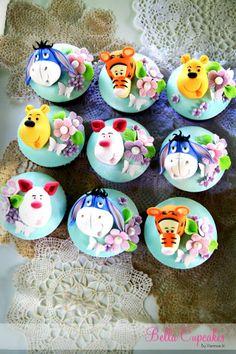 Winnie the Pooh cupcakes! Disney Cupcakes, Kid Cupcakes, Pretty Cupcakes, Beautiful Cupcakes, Yummy Cupcakes, Cupcake Cookies, Decorated Cupcakes, Winnie The Pooh Themes, Winnie The Pooh Cake