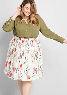 From midi to mini, discover plus size skirts with the perfect fit at ModCloth! Shop & discover women's plus size skirts in the prints and styles you love! Curvy Fashion, Modest Fashion, Skirt Fashion, Plus Size Fashion, Fashion Outfits, Jeans Fashion, Plus Size Work, Looks Plus Size, Moda Plus Size