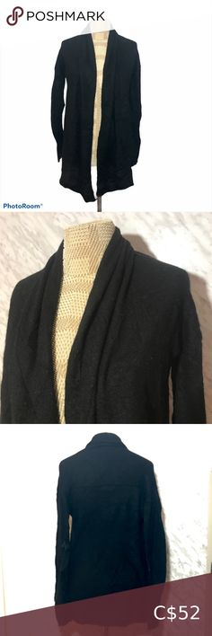 Club Monaco Cashmere Cardigan Black Size XSmall Club Monaco Soft Cashmere Cardigan in Black Open Front Leather path design at elbows Size XSmall Flat lay measurements Pit to Pit 18.5 ″ Length 23″ Sleeve Length 23.5″ In great preloved condition, some piling under the arms. see photos for exact condition #0399 Club Monaco Sweaters Cardigans Sequin Cardigan, Hooded Cardigan, Oversized Cardigan, Cropped Cardigan, Cashmere Cardigan, Wool Cardigan, Black Cardigan, Cozy Sweaters, Black Sweaters