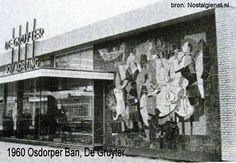1960 Osdorp Osdorpperban Winkel de Gruyter het Tegeltableau van Joop Sjollema bevindt zich nu bij Albert Heijn op de Pieter Calandlaan (binnen)