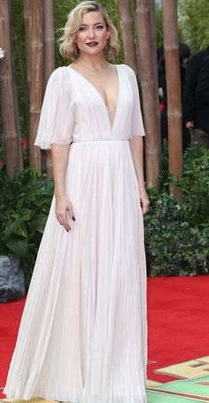 "Kate Hudson in J.Mendel attends the ""Kung Fu Panda 3"" London premiere. #bestdressed"
