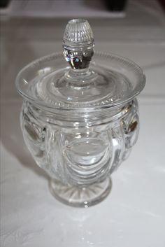 Sucrier, partie d'un service de nuit, en cristal de Baccarat ou du Creusot Circa 1830