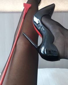 "891 mentions J'aime, 14 commentaires - Your dreams become real! (@stilettonylondiva) sur Instagram : ""Happy friday everyone! #heels #highheels #heelsfetish #fetishheels #killerheels #stilettos…"""