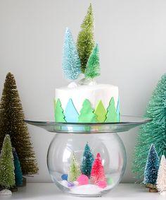 DIY Snow Globe Cake Plate. Such a fun idea!