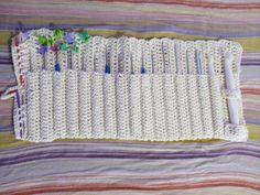 Estuche para los ganchillos #crochet #handmade #hookcase #ganchillo  https://www.facebook.com/ovilladans