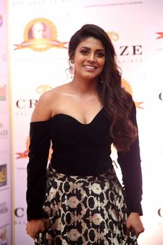 Tamil Actress Iniya in Black Dress at Dadasaheb Phalke Awards Photograph of  Iniya PHOTOGRAPH OF  INIYA | IN.PINTEREST.COM ENVIRONMENT EDUCRATSWEB