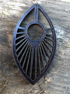 Wood habló pendientes de arce teñido negro