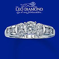 I like this style for my wedding band. Just need to see how it looks with my engagement ring Leo Diamond Ring, Diamond Jewelry, Gemstone Jewelry, Gold Jewelry, Hand Ring Design, Kay Jewelers Engagement Rings, Right Hand Rings, Rings For Her, Anniversary Bands