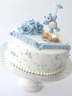 Emmas KakeDesign: Cute christening cake in soft blue. Torta Baby Shower, Baby Shower Fruit, Elephant Baby Shower Cake, Baby Shower Brunch, Cupcakes For Boys, Wedding Cakes With Cupcakes, Cupcake Cakes, Baby Boy Christening Cake, Baby Boy Cakes