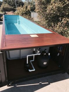 24 Astonishing Shipping Container Ideas For Your Swimming Pool On Your Backyard - Every year the heat rises. Every year homes become smaller. Lack of space and the increasing temperatures, make summers a special kind of suffering. Building A Container Home, Container Buildings, Container Houses, Shipping Container Home Designs, Container House Design, Shipping Containers, Swiming Pool, Swimming Pools Backyard, Jacuzzi