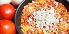 "Eggs ""Kagiana"", aka strapazzada (scrambled eggs with tomato and feta) Snack Recipes, Cooking Recipes, Healthy Recipes, Tobias, Main Dishes, Side Dishes, Spinach Pie, Mediterranean Recipes, Greek Recipes"