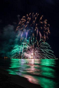 of July Fireworks Naples Florida Naples Pier, Naples Florida, 4th Of July Fireworks, Fourth Of July, Elizabethan Era, Fire Works, I Wallpaper, Around The Worlds, City