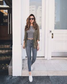 Pin by aoi htet on fashion in 2019 mode jeans, mode vetement Mode Outfits, Chic Outfits, Spring Outfits, Trendy Outfits, Fashion Outfits, Outfit Summer, Dress Fashion, Fashion Ideas, Autumn Outfits