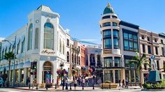 Rodeo Drive, Beverly Hills shopping with my daugther and my girlfriends!Fun,fun,fun