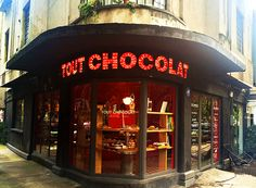 Tout Chocolat patisserie and chocolate shop, Avenida Amsterdam, La Condesa, Mexico City _________ Missing my old neighborhood