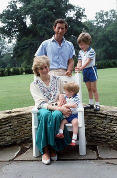 July Prince Charles, Prince Harry, Diana, Princess of Wales and Prince William at Highgrove in Tetbury, EnglandBoth Harry and William were not minding the camera but were rather more concerned and focused on the pet rabbit on their mother's lap. Prince Charles, Prince William And Harry, Charles And Diana, William Kate, Lady Diana Spencer, Diana Son, Princess Diana Family, Princess Diana Pictures, Princess Charlotte