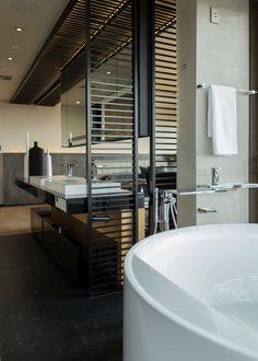 House Boz by Nico van der Meulen Architects