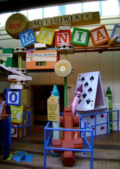 Why Toy Story Midway Mania! is one of Walt Disney World's BEST ATTRACTIONS.