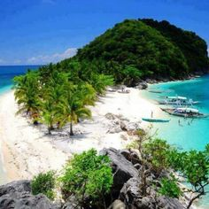 A hidden paradise - Isla De Gigantes Islands, Philippines. So many beautiful places in the Philippines its overwhelming! Vacation Destinations, Dream Vacations, Vacation Spots, Tourist Spots, Italy Vacation, Vacation Places, Vacation Ideas, Voyage Philippines, Philippines Travel
