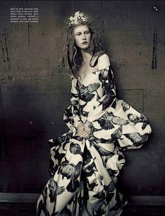 Vogue Itália Setembro 2014 | Ola Rudnicka, Issa Lish + Mais por Mario Sorrenti [Couture]