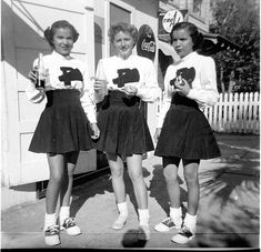 Grabbing a quick bite between cheers. #vintage #school #cheerleader #uniform #teenagers #students #pep #saddle_shoes #1940s #1950s