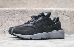 Nike Air Huarache: Black & Dark Grey