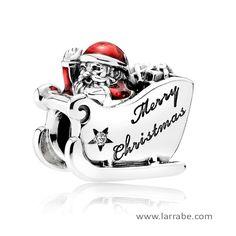 Abalorio Pandora Trineo Santa 792004CZ, charm de plata adornada con esmalte rojo. #joyasPandora #PandoraNavidad #abaloriosPandora #charmsPandora #moda #mujer