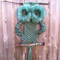 These adorable Macrame Owls and we have a Free Pattern for you to try. Be sure to view the Macrame Hammock Chair as well!