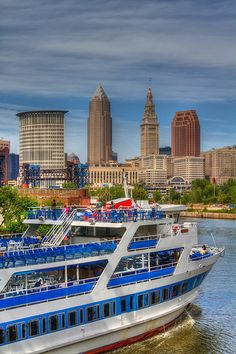 15 Travel Destinations for 2016 - Cleveland, Ohio Downtown Cleveland, Cleveland Rocks, Great Places, Places To See, Beautiful Places, Amazing Places, Bar Lounge, The Buckeye State, Hotels