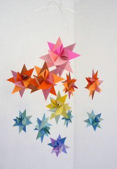 Baby Crib Mobile Hanging Origami Stars--- choice (so far) Hanging Origami, Origami Paper Folding, Origami Mobile, Origami Ball, Origami Fish, Origami Stars, Rainbow Origami, Paper Mobile, Geometric Origami