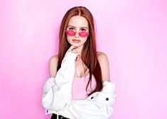 Riverdale star Madelaine Petsch joins forces with affordable eyewear brand Privé Revaux. The capsule collection features five chic sunglasses inspired by her… Madelaine Petsch, Camila Mendes Riverdale, Camila Gallardo, Cheryl Blossom Riverdale, Chica Cool, Riverdale Cast, Fashion Pictures, Streetwear Fashion, Girl Crushes