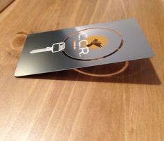 Un Serrurier Qui Ne Vous Dcevra Pas Cest Forcment Avec Une Carte De Visite En Mtal Metal Ironcards Iron Cartedevisite