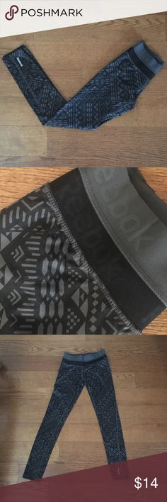 Lined Reebok leggings XS So sad to be parting with these but they're too small and too long on me. They're silky smooth on the outside and unbelievably soft and warm on the inside. Has a mid rise waist and fits true to size. Only worn a handful of times. Comes from a smoke free/pet friendly home. Any questions please ask 💕OFFERS WELCOME/BUNDLE TO SAVE❤️ Reebok Pants Leggings