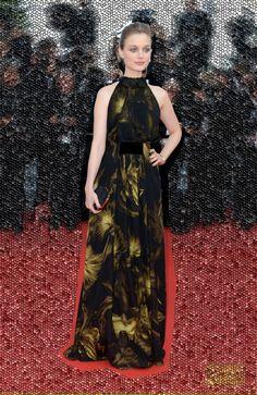 RIGHT CHOICE AWARD: BELLA HEATHCOTE in GUCCI - Cannes 2012