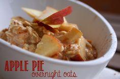 Apfelkuchen zum Frühstück klingt gut? Die Apple Pie Overnight Oats schmecken wie Apfelkuchen zum Löffeln. Einfach himmlisch lecker!