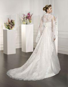 #RABI | Wedding Dress - Couture | VILLAIS by Sara Villaverde (back)