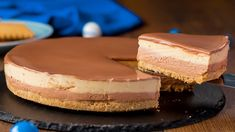 Cheesecake fără coacere – un desert absolut irezistibil! No Cook Desserts, Homemade Beauty Products, Food Cakes, Cheesecakes, Tiramisu, Cake Recipes, Biscuits, Food And Drink, Meals