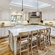 Cozy Kitchen, Kitchen Decor, Ikea Kitchen Australia, Interior Design Services, Natural Texture, Winter White, Luxury Homes, Interior Decorating, Kitchen Designs