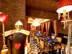 Curious Places: Alice in an Old Castle - Restaurant (Tokyo/ Japan)