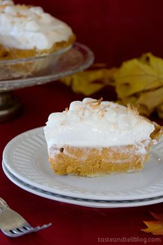 Pioneer Woman's ice cream pie (the show also had her homemade caramel sauce too!) I love this site http://porkrecipe.org/posts/Pioneer-Womans-ice-cream-pie-the-show-also-56181