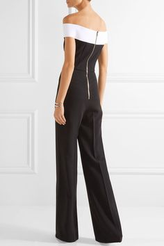 Black and white stretch-crepe Zip fastening along back 50% viscose, 47% acetate, 3% elastane; lining: 93% silk, 7% elastane Specialist clean Made in the UK