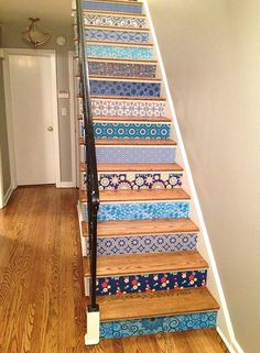 Awesome wallpaper project using Spoonflower wallpapers of different designers. If our apartment has stairs. Wallpaper Stairs, Painted Stairs, Painted Wood, Staircase Design, Beautiful Interiors, Home Interior, Interiores Design, Stairways, My Dream Home