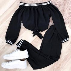 Green patterned set with striped elastic k - Fashion - Roupas Ideias Cute Comfy Outfits, Sporty Outfits, Swag Outfits, Mode Outfits, Stylish Outfits, Girls Fashion Clothes, Teen Fashion Outfits, Cute Fashion, Outfits For Teens