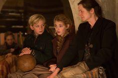 Emily Watson, Nico Liersch y Sophie Nélisse