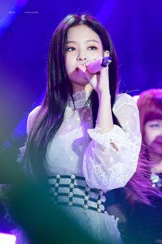 Jennie (Black Pink)
