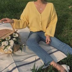 Korean Clothing Styles The Beige Blouse Mode Outfits, Korean Outfits, Aesthetic Fashion, Aesthetic Clothes, Aesthetic Vintage, Aesthetic Outfit, Fitness Aesthetic, 90s Aesthetic, Aesthetic Makeup