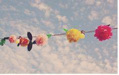 Para o vento brincar no quintal, embalando as flores do jardim, balançando as cores no varal | A casa é sua