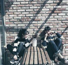 // ulzzang couple shared by nad. Mode Ulzzang, Korean Ulzzang, Ulzzang Girl, Matching Couples, Cute Couples, Couple Avatar, Couple Ulzzang, Cute Couple Outfits, Couple Shots