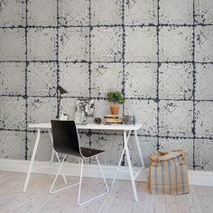 Apportez une ambiance vintage avec le papier peint trompe-l'œil tuiles d'étain blanc de Rebel Walls.