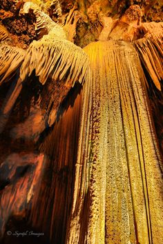 This 47 ft. tall stalactite formation is another wonder of nature which can be found at the Luray Caverns in Virginia.
